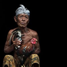 Indonesian photographer Ario Wibisono expresses magnifique sensuality for each portraits making them unique. We Are The World, People Around The World, Around The Worlds, Bali Lombok, Bali Travel, Artistic Photography, Beautiful People, Painting, Image