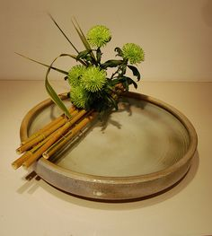 Ikebana 'Bridge over clear waters' by Otomodachi, via Flickr