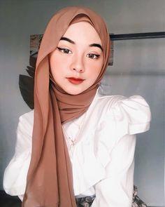 Ootd Hijab, Hijab Chic, Hijab Outfit, Muslim Fashion, Modest Fashion, Hijab Fashion, Fashion Outfits, Mode Turban, Sweet Makeup
