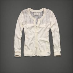 VICTORIA - SUPERSOFT, CLASSIC CARDIGAN WITH LOGO ENGRAVED BUTTON CLOSURE, PRETTY LACE DETAILING, FINELY RIBBED TRIMS, MOOSE EMBROIDERY, SELF FABRIC INTERIOR NECK TAPING, CLASSIC FIT, IMPORTED