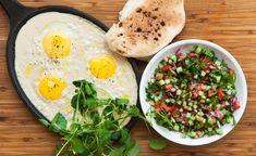 עומר מילר מציע שנגוון קצת את ארוחת הבוקר שלנו: בהתחלה אמרנו בשום פנים ואופן לא, אבל אז שמענו על הסינייה ביצים וטחינה. ועל הפרעצל, והסלמון והפנקייק. הנה המתכונים