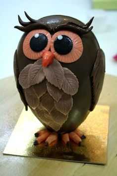 Especially Chocolate Owls. Chocolate Flowers, Chocolate Bark, Chocolate Gifts, Chocolate Showpiece, Egg Cake, Gateaux Cake, Chocolate Decorations, Easter Celebration, Easter Cookies