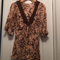 Adorable Top! Pink and brown with lace detail. Tops Blouses
