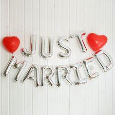 """Hochzeitsdeko - BALLONGIRLANDE """"JUST MARRIED"""", SILBER - ein Designerstück von weddix bei DaWanda"""