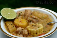 Viche or Biche fish soup with plantains Punch Recipes, Soup Recipes, Cooking Recipes, Green Plantain Recipes, How To Cook Plantains, American Appetizers, Ripe Plantain, Dumplings For Soup, Fish Soup