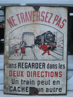 """Ancienne plaque émaillée SNCF """"ne traversez pas..."""""""