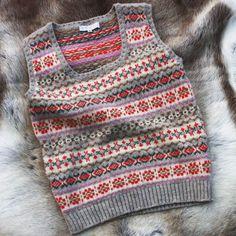 Things we use, things we like, things we make. Fair Isle Knitting Patterns, Fair Isle Pattern, Knit Patterns, Punto Fair Isle, Fair Isle Pullover, Tweed Run, Shetland Wool, How To Purl Knit, Knit Vest