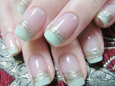 Mint green tip with soft gold fan brush nail art.