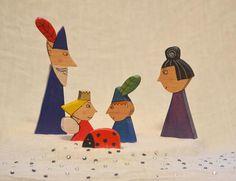 Waldorf houten speelgoed, Elfen en feeën speelgoed, Ben en Hollys Little Koninkrijk speelgoed, houten Elf, houten Fairy speelgoed, Pretend Play, Gift van de verjaardag. Handgemaakte set van 5 houten Ben en Hollys Little Koninkrijk tekens met Ben, Holly, Nanny Plum, The Wise Old Elf