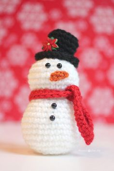 Crochet Snowman By Sarah - Free Crochet Pattern - (repeatcrafterme)