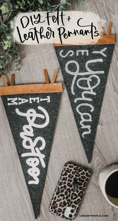 How to make a leather and felt DIY handlettered pennant 2 ways- by hand with paint, or with your Cricut and digitized lettering. #Cricut #HandLettering #LeatherDIYs Cool Diy Projects, Vinyl Projects, Crafty Projects, Project Ideas, Crafts To Make, Diy Crafts, Teen Crafts, Perfect Triangles, Budget