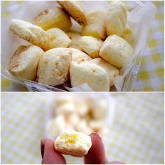 #biscoito #sequilho sem glúten e sem lactose INGREDIENTES: 100g de margarina culinária 1 gema 1/2 xícara de chá de açúcar 1 embalagem de amido de MAIZENA® – 200g 1/2 xícara de chá coco ralado  PARA UNTAR E ENFARINHAR: margarina culinária fubá