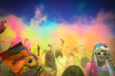 The first Holi One Festival in South Africa took place in Cape Town over the weekend. How awesome does it look?