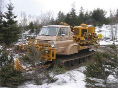 Dodge L700 trucks