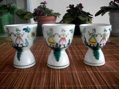 $12.99  Retro Double Egg Cups with Dutch Couple on Ebay