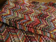 glitzknitsboutique:  Free pattern: Favorite Scarf Ever by Lisa Bruce