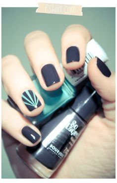 cool accent nail idea