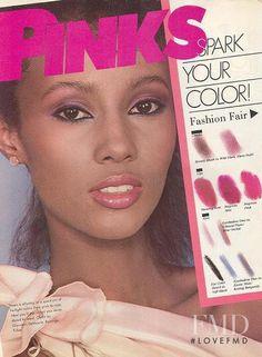 Photo of model Iman Abdulmajid - ID 182136 Supermodel Iman, Iman Model, Vintage Makeup Ads, Retro Makeup, J Makeup, Black Makeup, Vintage Black Glamour, Vintage Beauty, Vintage Labels