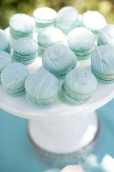 Holy schniekes! Tiffany blue macarons.