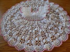 Vestido para 1 a 2 años tejido con hilo Crystal es muy sencillo y bonito en cualquier color con 100 grs, estan las instrucciones desde recien nacida hasta 6 ...