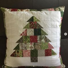 This Charming Christmas Quilt Finishes Quickly - Quilting Digest