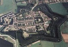 Willemstad Noord Brabant  Willemstad Noord Brabant één van Nederlands mooiste vestingsteden met prachtige gebouwen gelegen aan het Hollands Diep. Willemstad Noord Brabant een gezellige vestingstad met jachthaven en vele activiteiten.