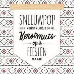 Kerstkaart - xmas-lifestyle-sneeuwpop-hier-kerstklokje-daar-kerstmuts-op-en-feesten-maar
