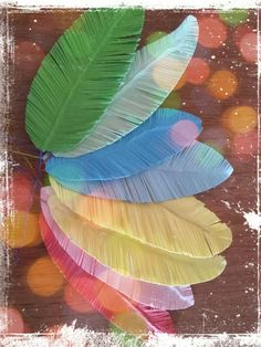 Paper feathers DIY