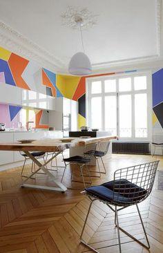 Geometric walls and Bertoia chairs