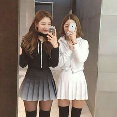 Roupas asiáticas, roupas top, roupas fofas, saia com pregas Style Ulzzang, Ulzzang Fashion, Asian Fashion, Girl Fashion, Womens Fashion, Gucci Tshirt, Girl Outfits, Fashion Outfits, Friend Outfits