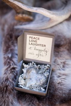 Planning your winter wedding? We love the ornament wedding favor idea! This one is pretty and something guests would want to hang on their tree!