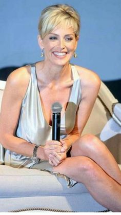 Image detail for -Sharon Stone Attends A Dior Press Conference Sharon Stone Photos, Stone Pictures, Most Beautiful Women, Simply Beautiful, Hollywood Stars, American Actress, Basic Instinct, Movie Stars, Divas