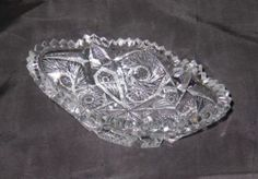 VINTAGE EAPG OVAL BOWL SAWTOOTH EDGE BUTTONS PANELS PINWHEELS CRYSTAL BOWL