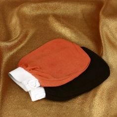 Kessa Glove - an indispensable accessory for moroccan hammam cleansing ritual. Goes with Black Soap or Ghassoul Clay.