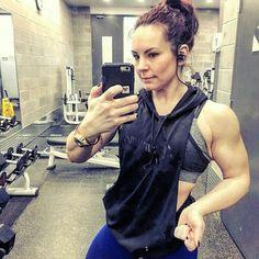 @Regrann from @maximumathleticsinc -  Sexy lady @sarahfit23 rocking the shit out of her @maximumathleticsinc stringer hoodie. #style #fitness #fitnessgear #sportswear #bodybuilding #bodybuilder #muscle #toronto @Regrann from @sarahfit23 -  Loving the new