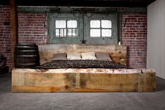 Check Out 20 Industrial Bedroom Designs. Industrial bedroom design is an urban signature that combines simplicity and authenticity. Industrial bedroom design incorporates utilitarian edge with rough textures and sometimes aged woods. Industrial Bedroom Design, Industrial House, Industrial Interiors, Modern Industrial, Modern Rustic, Industrial Decorating, Industrial Furniture, Rustic Style, Rustic Wood