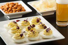 Gevulde eieren met HEKS'NKAAS® - HEKS'NKAAS® Yummy Snacks, Yummy Food, Buffet, Party Food Platters, Sandwiches, Snacks Für Party, Happy Foods, High Tea, Yummy Cakes