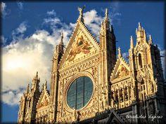 Siena: Nuestros primeros días en la Toscana   Periodistas Viajeros Pisa, Big Ben, Barcelona Cathedral, Building, Travel, Florence, Viajes, Buildings, Trips