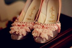 ruffles and pearls...whats not to love?!
