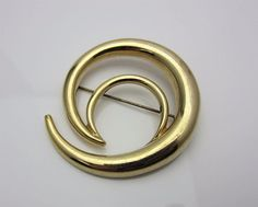 Vintage Costume Jewellery Brooch Pin Modernist Open Curl Design Circa 1970s 1980s Glossy Gold Tone Metal