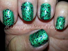 Makeup Junkie and Fangirl: Glitter Mermaid Mani
