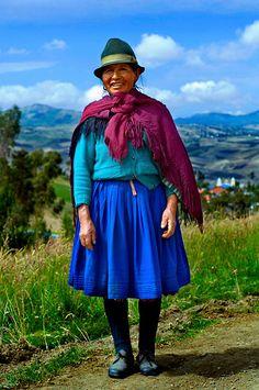 En equador las ropas traditionales son hechas por telas simples.