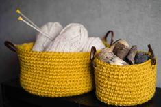 Gehaakte mand Crotchet Bags, Knitting, Diy, Crafts, Crochet Ideas, Macrame, Baskets, Creativity, Craft Ideas