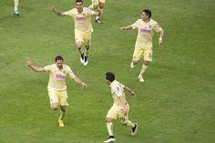 Festejo de gol de Pablo Aguilar de America