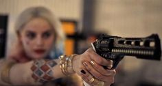 A gallery of Suicide Squad publicity stills and other photos. Featuring Margot Robbie, Jared Leto, Joel Kinnaman, Jai Courtney and others. Arlequina Margot Robbie, Margo Robbie, Injustice 2, Harley Quinn Cosplay, Joker And Harley Quinn, Laura Gilbert, Dc Comics, Comics Girls, Harely Quinn