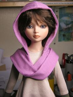 Raccoons Rags blog: Completed hooded scarf for Ellowyne Wilde.
