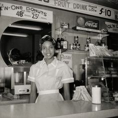 Helen Ann Smith at the diner Harlem House, Beale St, Memphis, 1950