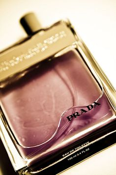 HBW!  I smell so good even I would do me. LMAO! =)   best perfumes for men and women