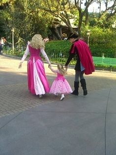 And Aurora and Phillip took a walk with this little princess. | 25 Times Disney Face Characters Were Completely Adorable