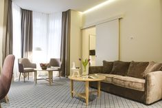 MOYA living room :: HOTEL JUMP INN Belgrade :: QUEEN and LEO armchairs, WAVE lowtable Belgrade, Armchairs, Leo, Wave, Queen, Living Room, Wing Chairs, Couches, Armchair